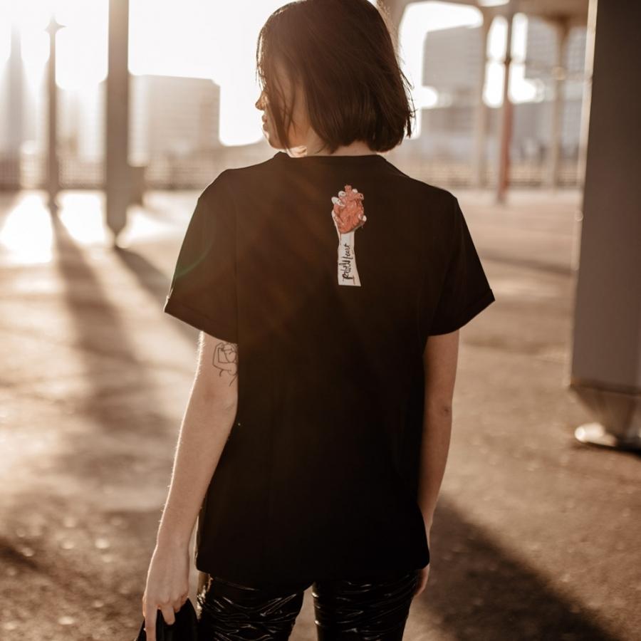 camiseta madonna negra