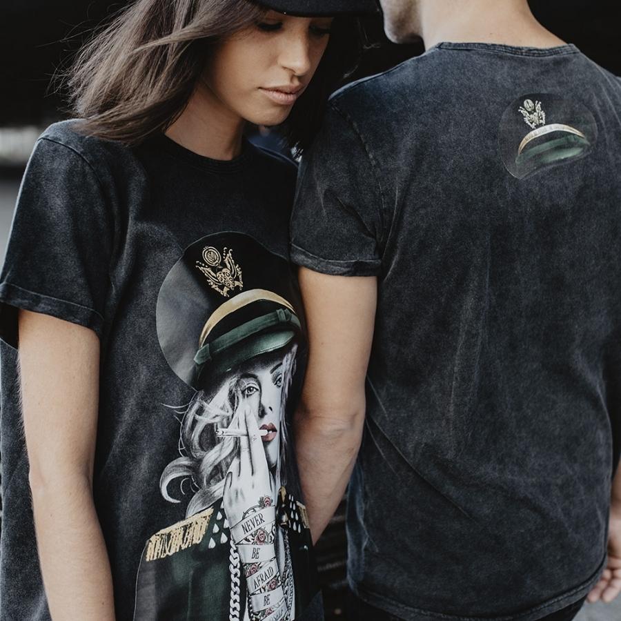 camiseta charlize theron
