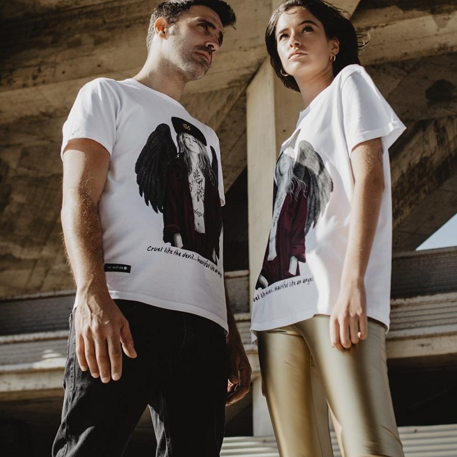 camiseta claudia schiffer